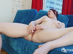 Tall Savannah Masturbating