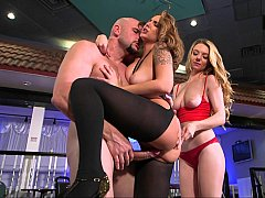 xhamster Her helping hand