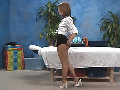 xhamster Young Sheena giving a great massage