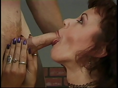 Older whore rubs her pussy on...
