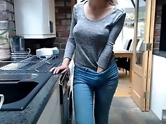 teen english_rose flashing pussy...