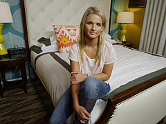 xhamster Young amateur blondie giving...