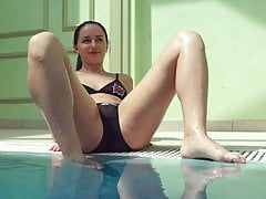 xhamster Kittina Ivory acts in underwater...