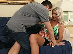 xhamster Experienced mom giving few...