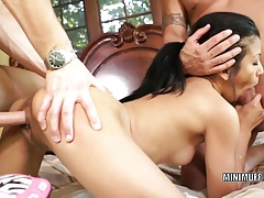 Filipina coed Sydnee Taylor gets...