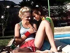 ultra sexy outdoor licking pussies